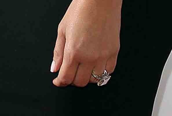 The Following Are Photos Of Kim Kardashianu0027s Wedding Ring :