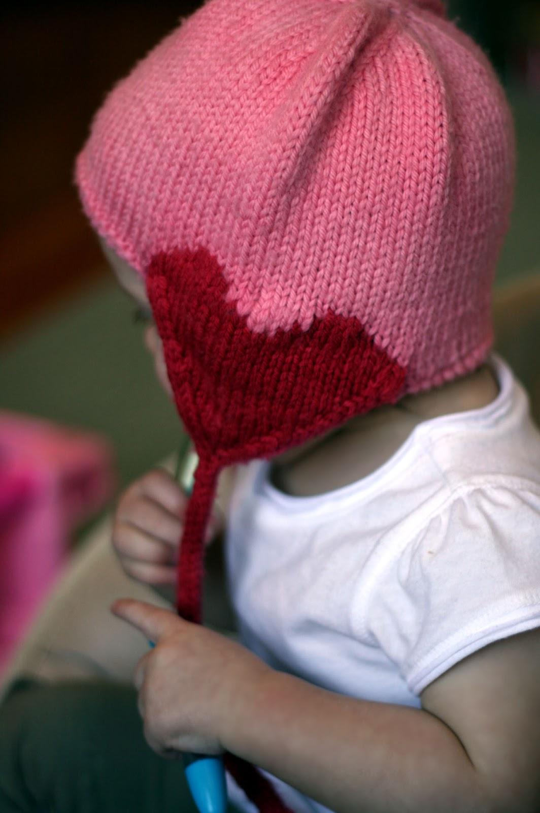 Knit Hat Pattern With Heart : http://3.bp.blogspot.com/-TfySIM4MS9I/TzUVaKIrDxI ...