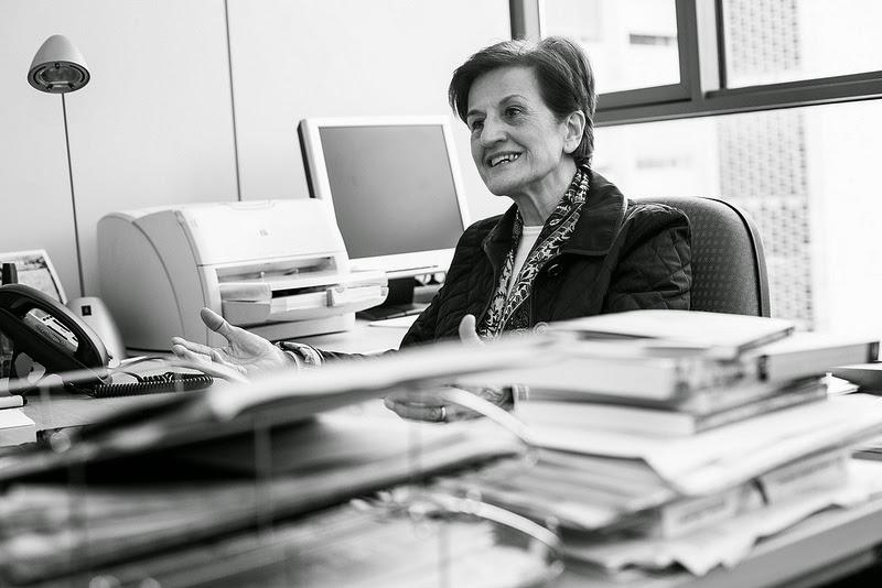Centro de personas mayores luanco premio nacional de ensayo - Adela cortina libros ...