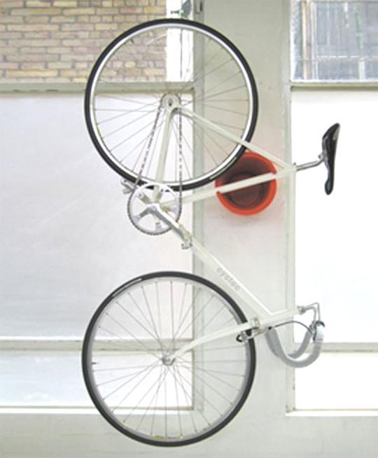 tu organizas bicicletas onde guardar. Black Bedroom Furniture Sets. Home Design Ideas