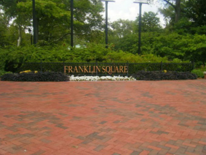 franklin square in philadelphia