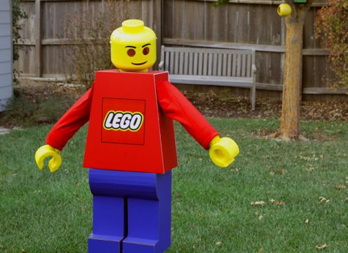 Project denneler lego man costume now that halloween is over and we have no storage space left for a costume this size i think its going to go on permanent display in gus room solutioingenieria Gallery