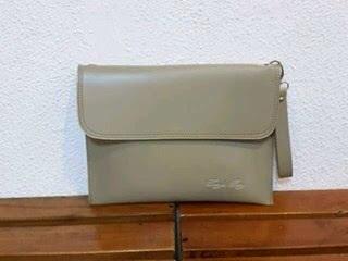 gambar tas clutch bag pria dan wanita warna krem