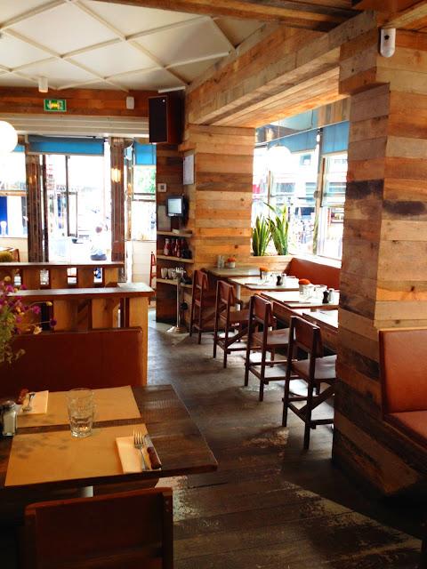 Le Depanneur Pigalle - terrasse restau dinner californien à paris