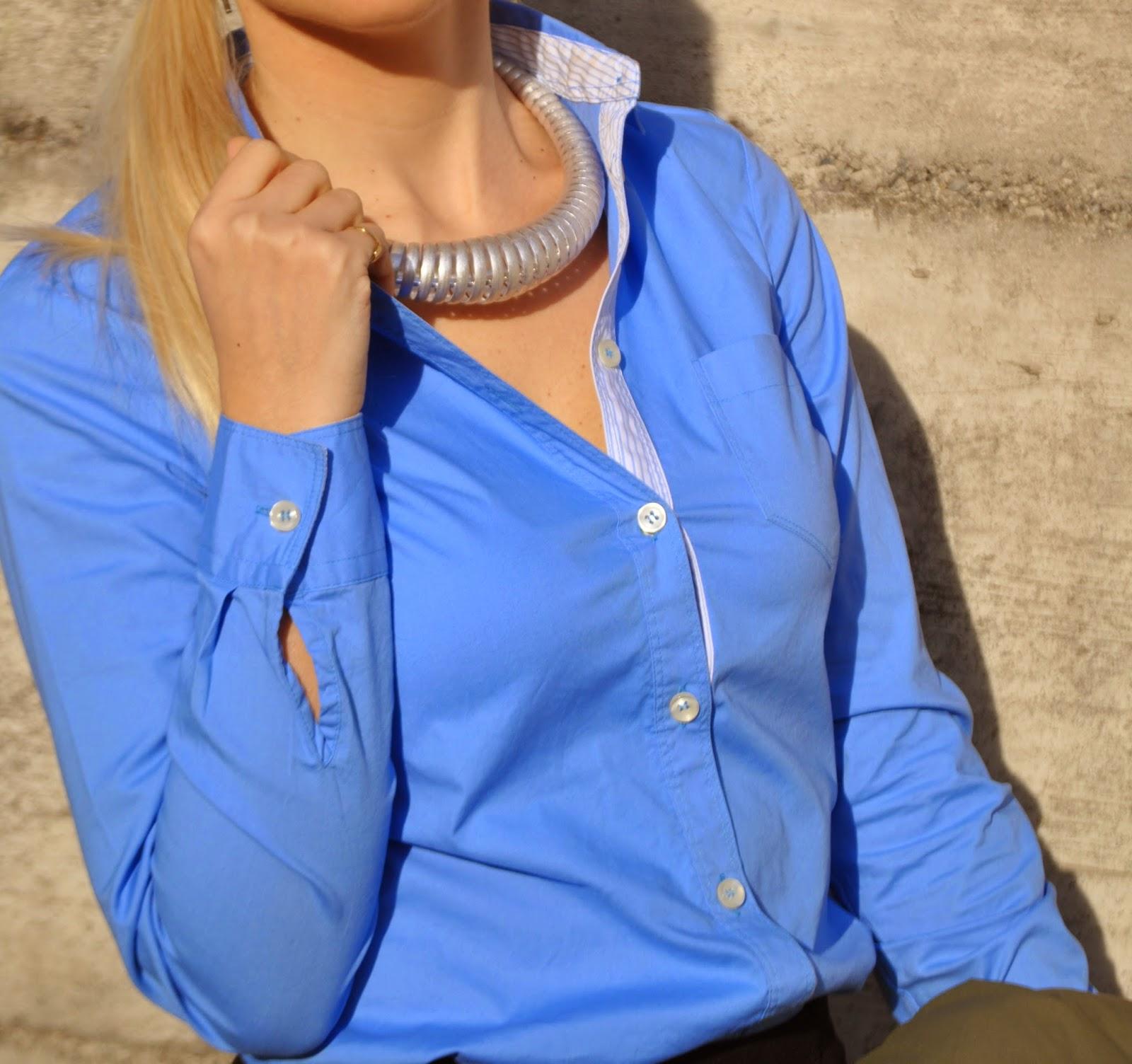 outfit camicia azzurra outfit gennaio 2015  come abbinare la camicia azzurra abbinamenti camicia azzurra outfit verde militare outfit parka come abbinare il parka gonna e parka  outfit invernali outfit invernali casuali outfit camicia azzurra gonna nera outfit anfibi a fiori outfit parka verde militare come abbinare il parka outfit parka outfit camicia azzurra come abbinare la camicia azzurra abbinamenti camicia azzurra come abbinare le dr martens abbinamenti dr martens outfit occhiali lenti specchio occhiali da sole lenti cuore mariafelicia magno fashion blogger mariafelicia magno outfit mariafelicia magno color block by felym fashion blog ragazze bionde blog di moda blogger italiane di moda acconciatura coda laterale winter outfit blue shirt parka coat fashion bloggers italy italian fashion bloggers how to wear blue shirt how to wear shirt and skirt  collana majique occhiali da sole zara parka benetton zara sunglasses majique london necklace