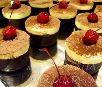 receita de mousses individuais preparado com chocolate branco