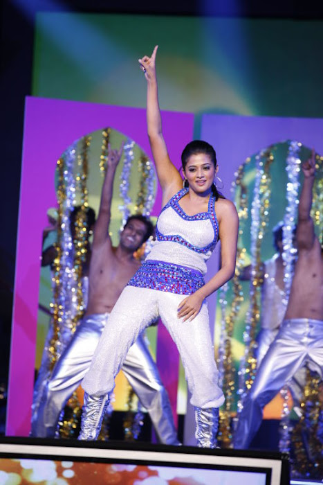 dancing at siima awards hot images