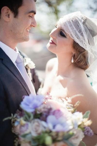 bukett anemoner lila, brudbukett anémoner, vintage bröllop, bröllop 20-talet, bouquet anemones, purple anemones, vintage wedding, 20's wedding vintage