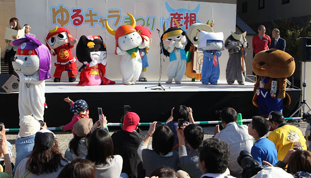 Yu-Ru-Chara Festival 2012 in Hikone, holy place for Yu-Ru-Chara