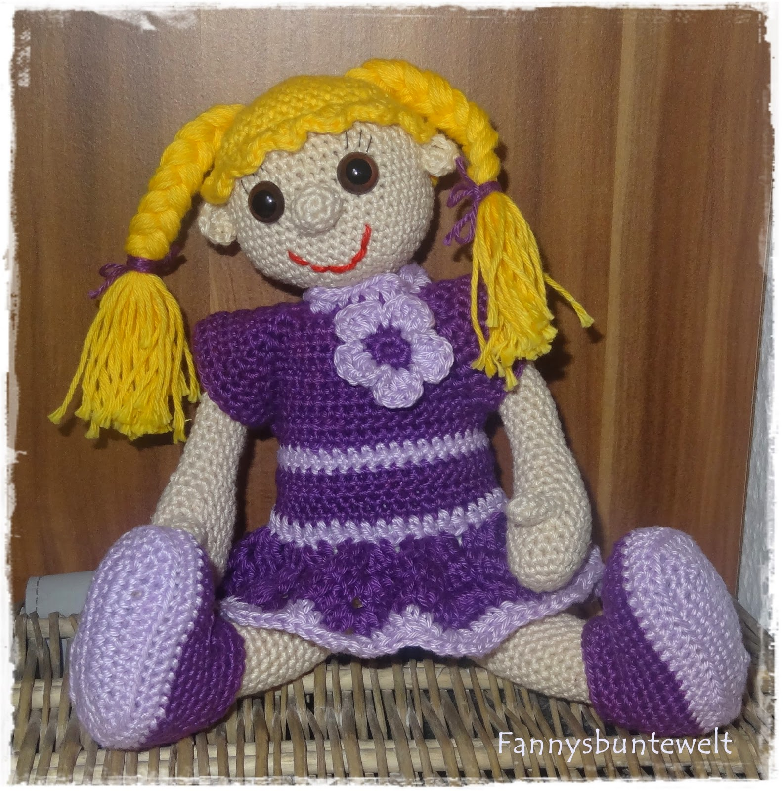 Fannysbuntewelt: Häkelanleitung Puppe Lotte