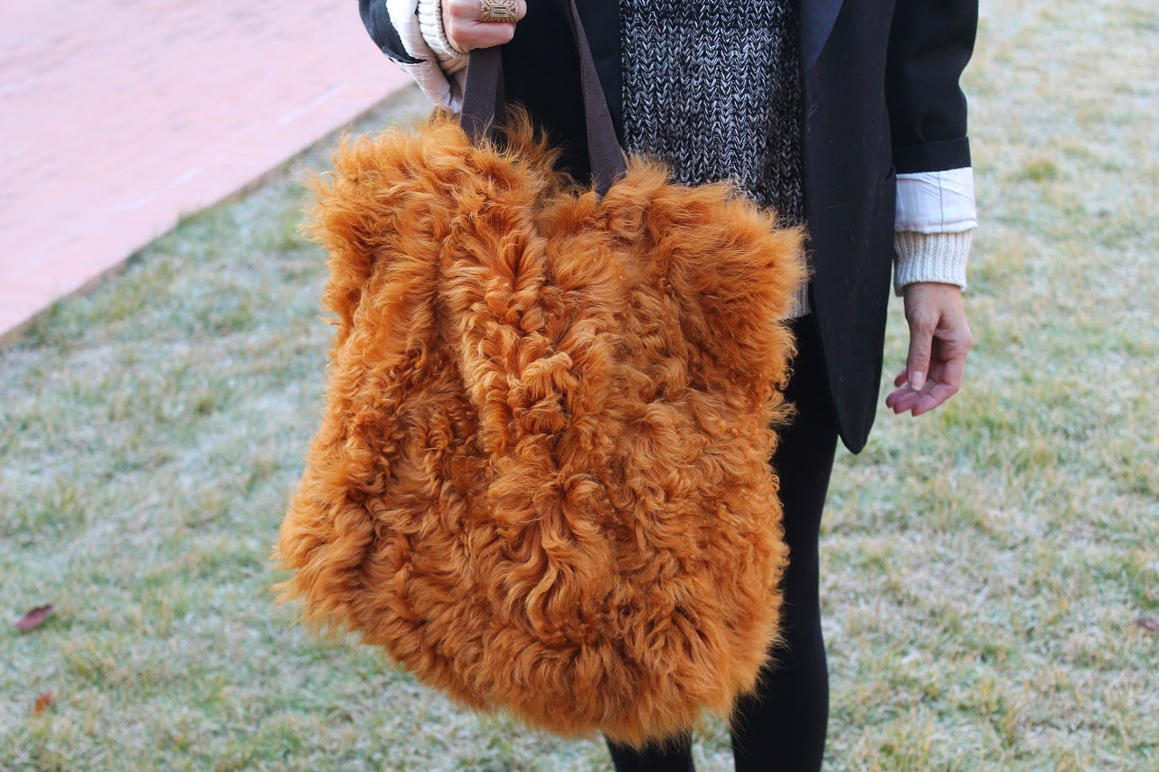 Furry Bag, Isadora Comillas, Jersey The Hip Te, Anillo, Ring Yanes, Glasses, Cool, Blog de Moda, Looks, Fashion Style, Trendy, Girl, Gift, Happy Birthday, Carmen Hummer
