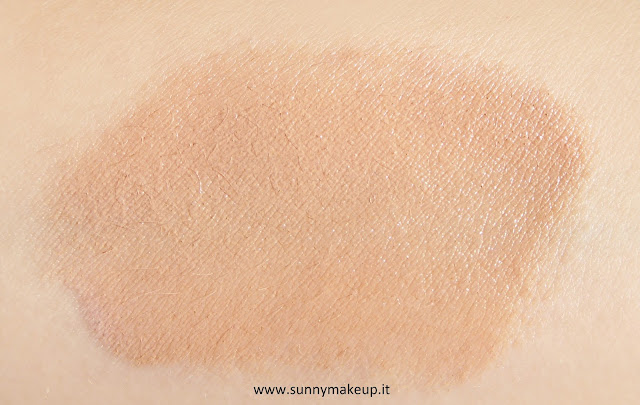 Swatch Pea Cosmetics - Uniqa 3D Cream.