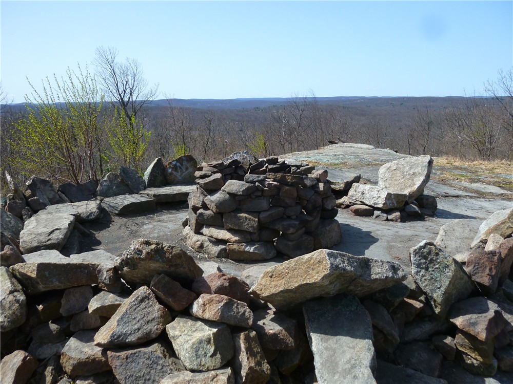 Gone hikin 39 norvin green state forest nj osio rock and for Living room hike