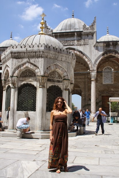 patio mezquita nueva estambul