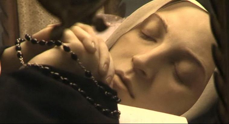 Đức Mẹ Lộ Đức và Bernadette, xác chết sau hơn 120 năm không được bảo vệ vẫn nguyên ven