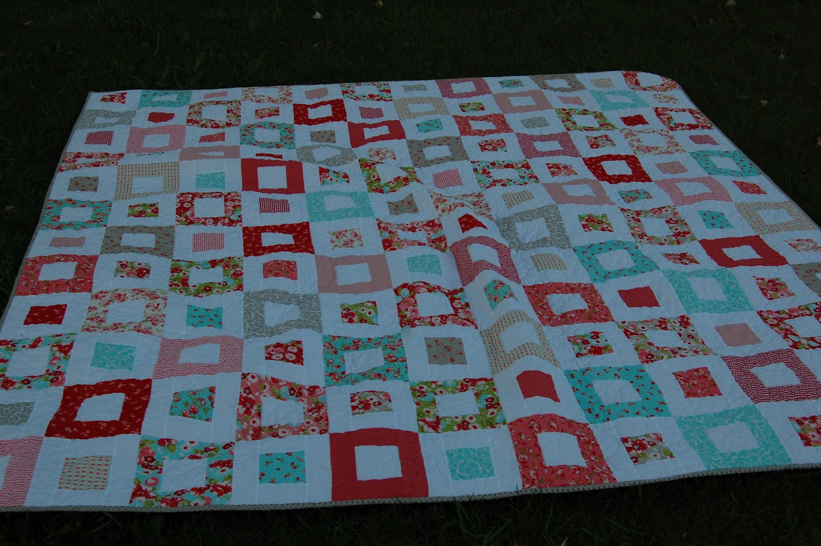 Quilt Patterns For Wedding Gifts : Sister s Quilts: Late Wedding Gift