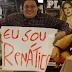 [Vídeo] Garoto Playboy em noite de autógrafos de Renata Dávila