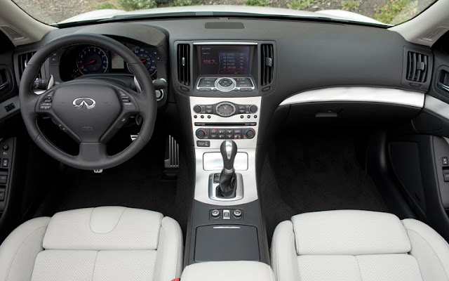 Interior shot of 2011 Infiniti G37 Sedan