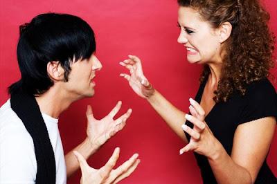كيف تتجنب الشجار مع زوجتك..وكيف تتجنبين الشجار مع زوجك - fighting-couple