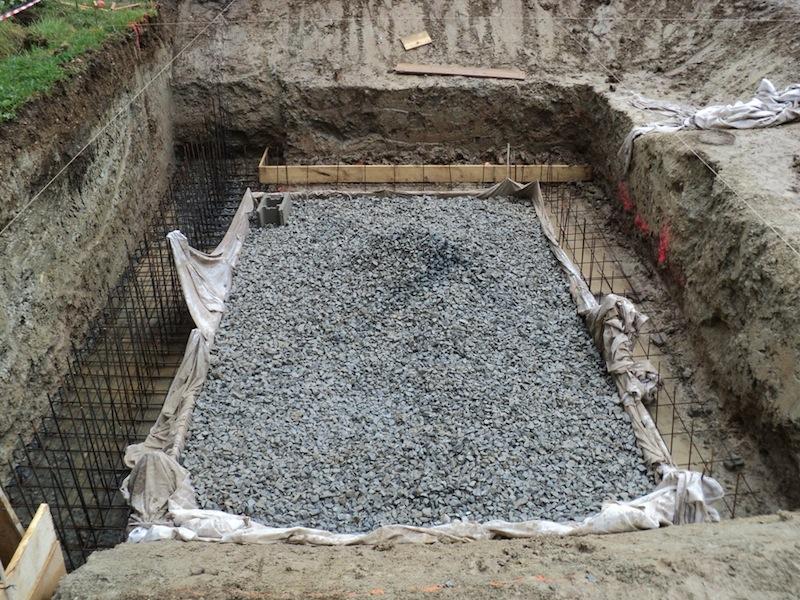Piscine naturelle en r gion paca venez suivre les tapes for Construction de piscine naturelle