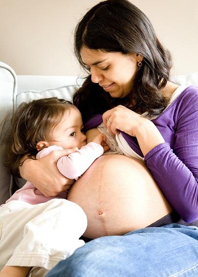 Почему нельзя кормить грудью при беременности