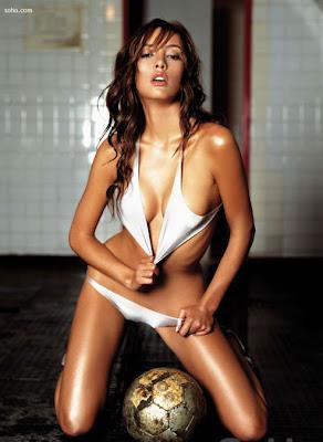 Carolina Guerra-Latina-colombiana-modelo-actriz