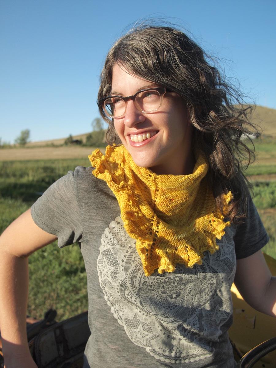 Fancy Tiger Crafts: Jaime\'s Sunshine Ruffle Scarf