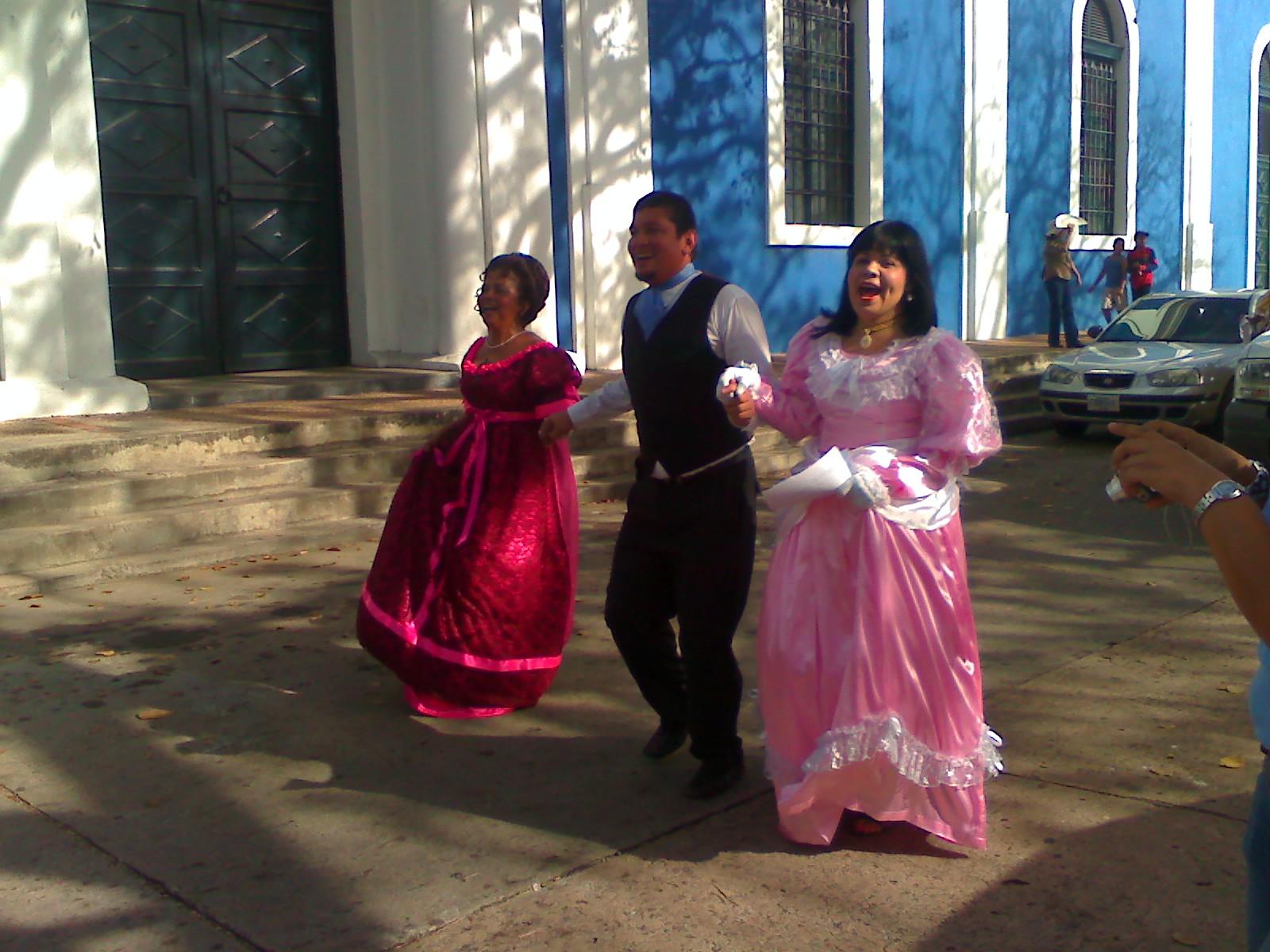 Carnaval De Ciudad Bol  Var Y Sus Damas Anta  Onas