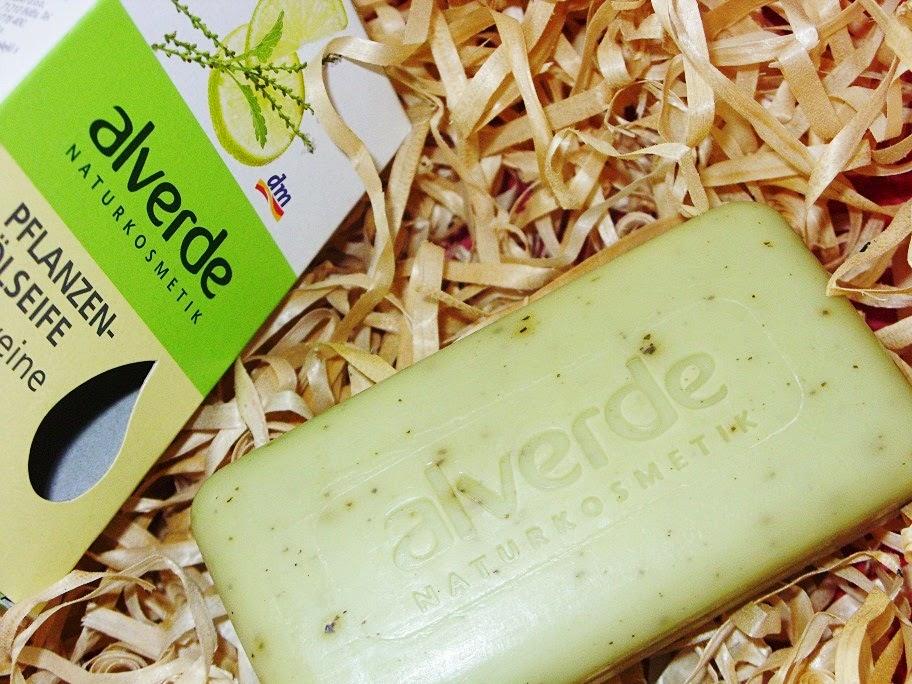 Recenzja: Naturalne mydło werbena z kawałkami roślin, Alverde