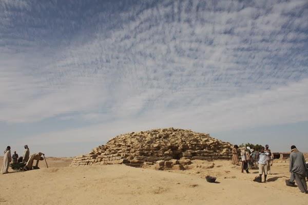 Piramida Mesir, Formasi Tiga Langkah
