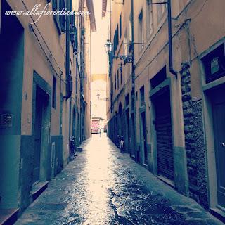 rain in the oltrarno florence