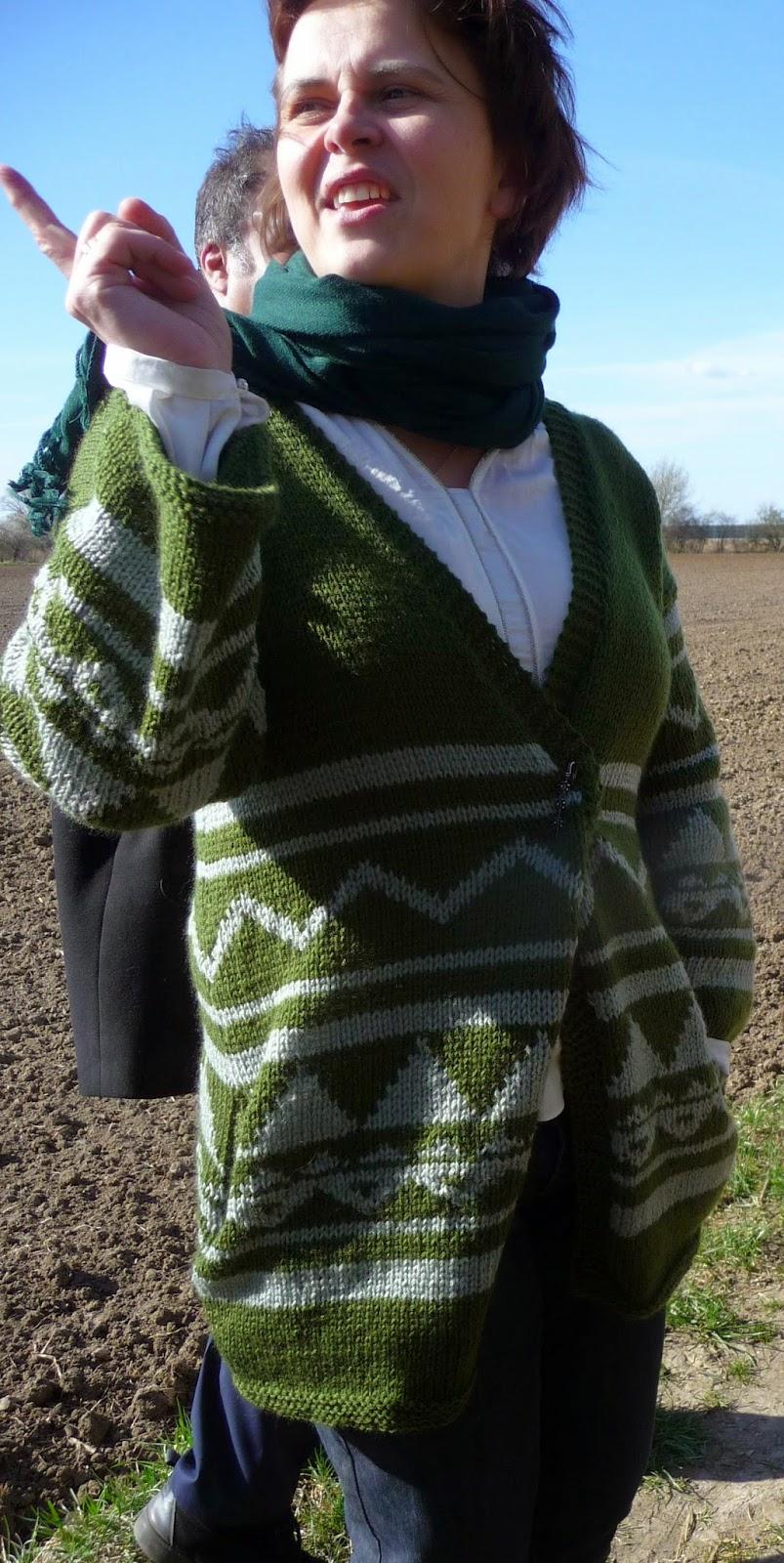 sweter na drutach wzory azteckie