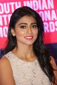 Shriya Saran Glam pics-thumbnail-25