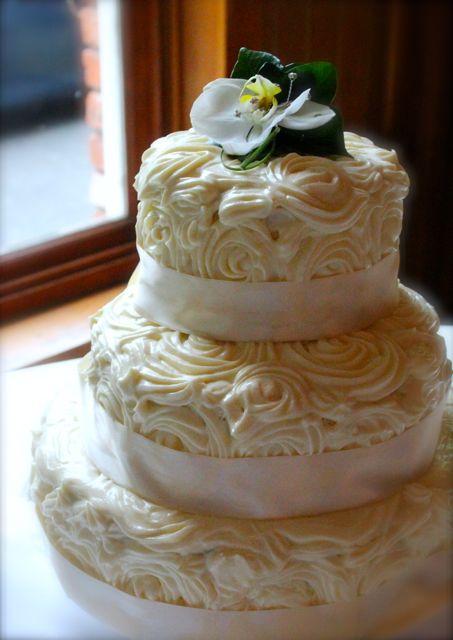 Warm & Snug & Fat » a wedding cake
