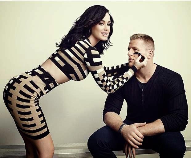 Katy Perry berfoto sensual demi  Amerika Football