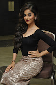 Aparna Bajpai sizzling photo shoot-thumbnail-9