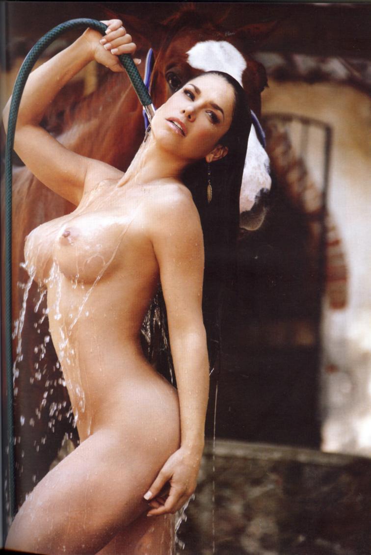 Fanny Lu Descuidos Lis Vega Playboy Noviembre Desnuda