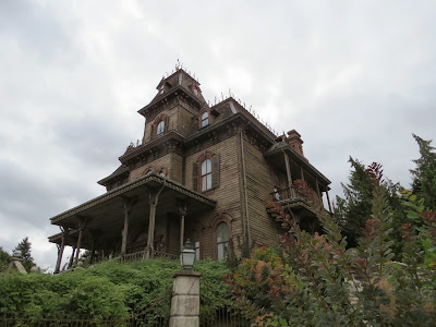 The Phantom Manor in Frontierland at Disneyland Paris www.thebrighterwriter.blogspot.com