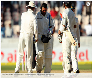 Michael-Clarke-Murali-Vijay-India-v-Australia-2nd-Test