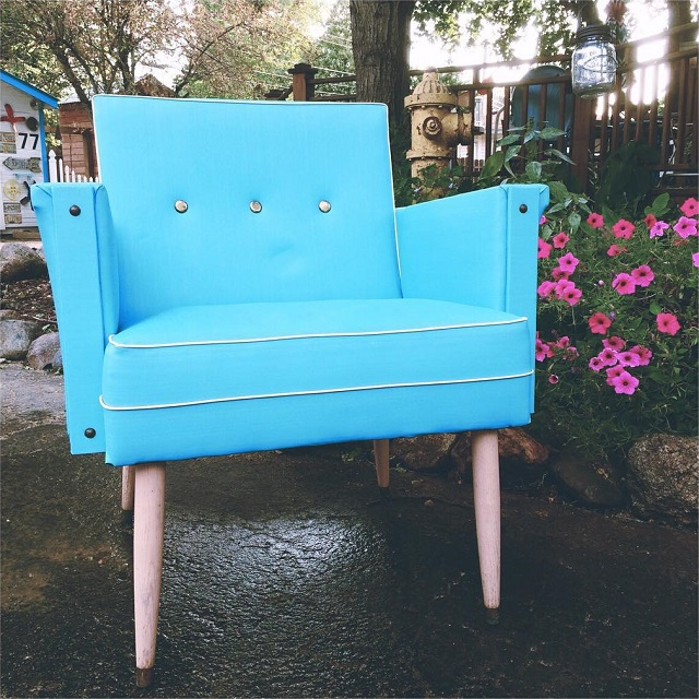 #thriftscorethursday Week 78 | Instagram user: robbrestyle shows off this Aqua MCM Chair