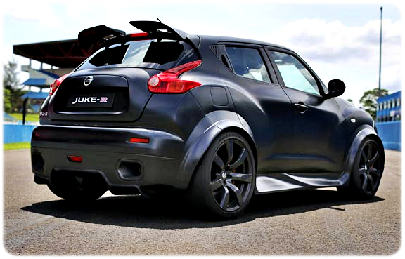 Spesifikasi Mobil SUV Nissan Juke-R Limited Edition