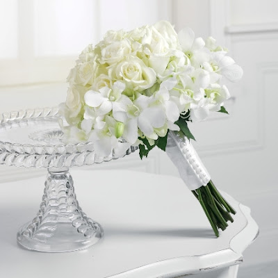 White Wedding Flowers Bouquets