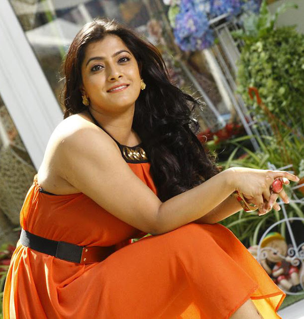 Varalaxmi Sarathkumar hot photos