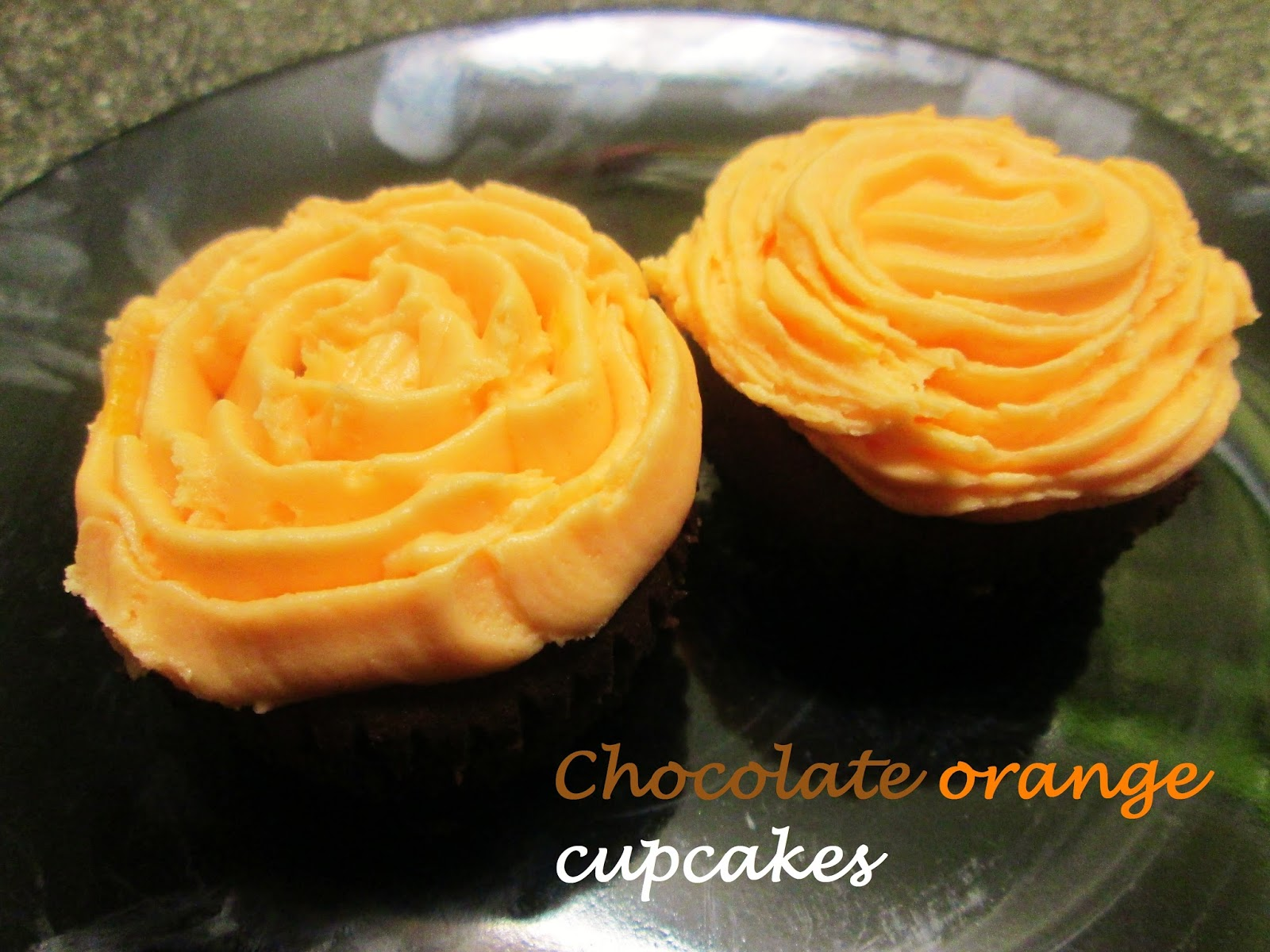THE MESSY KITCHEN: CHOCOLATE ORANGE CUPCAKES