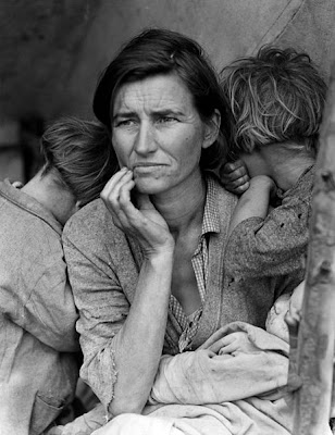 Migrant Mother photo by Dorothea Lange, black and white close up of a worried, haggard-looking woman with two young children hiding their faces against her shoulders