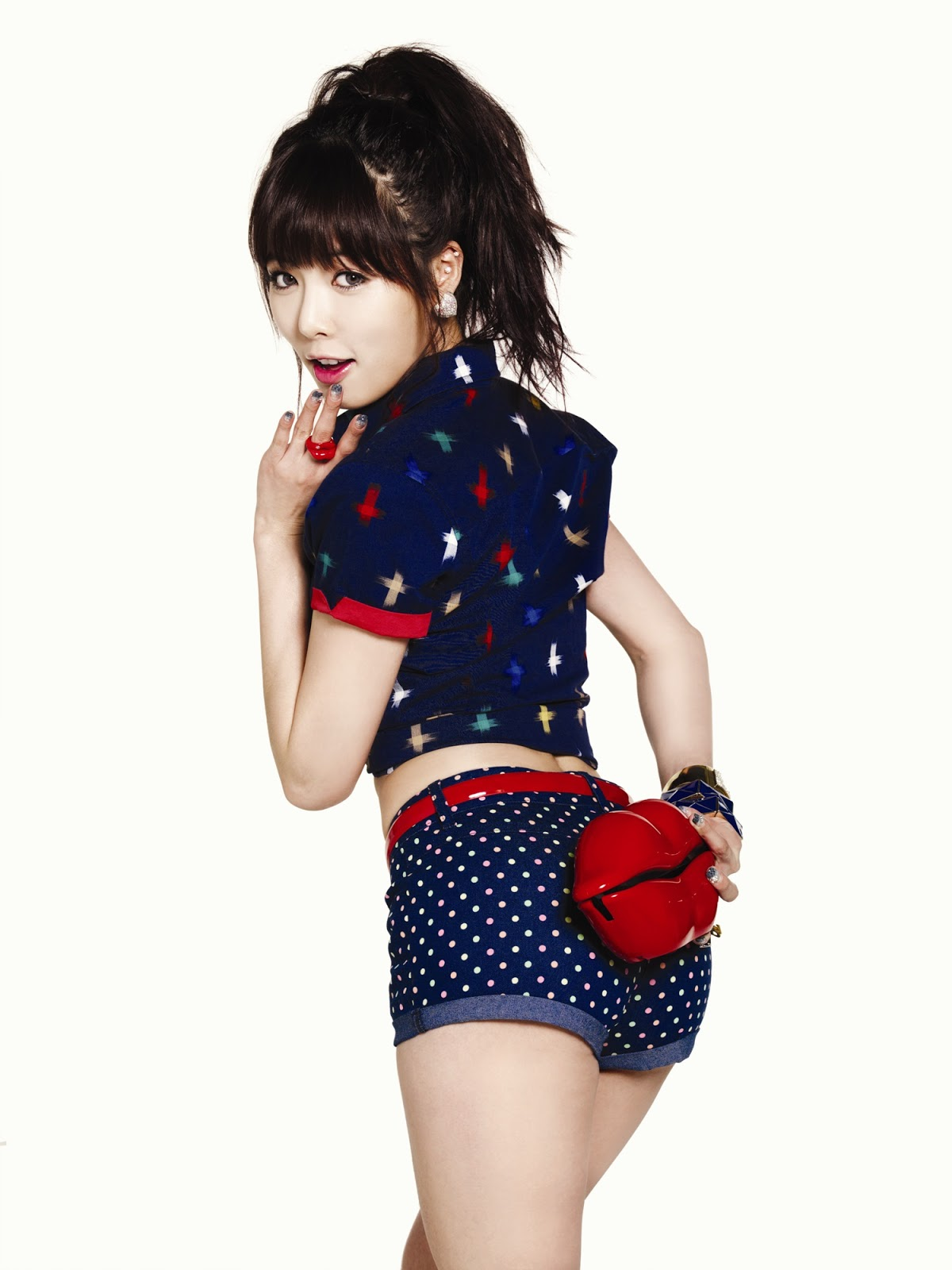 Cached Korean female pop stars pictures