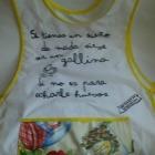 http://www.patypeando.com/2014/04/un-delantal-molon-para-la-nina-bonita.html