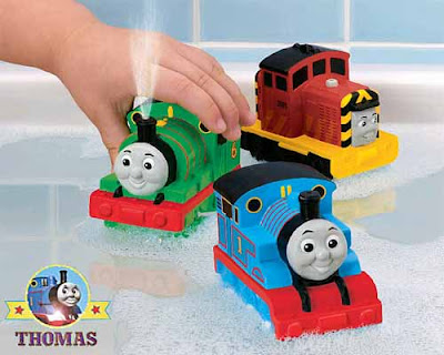Thomas the train bathtub toys bathroom playtime fun water games Percy the train and Salty squirters