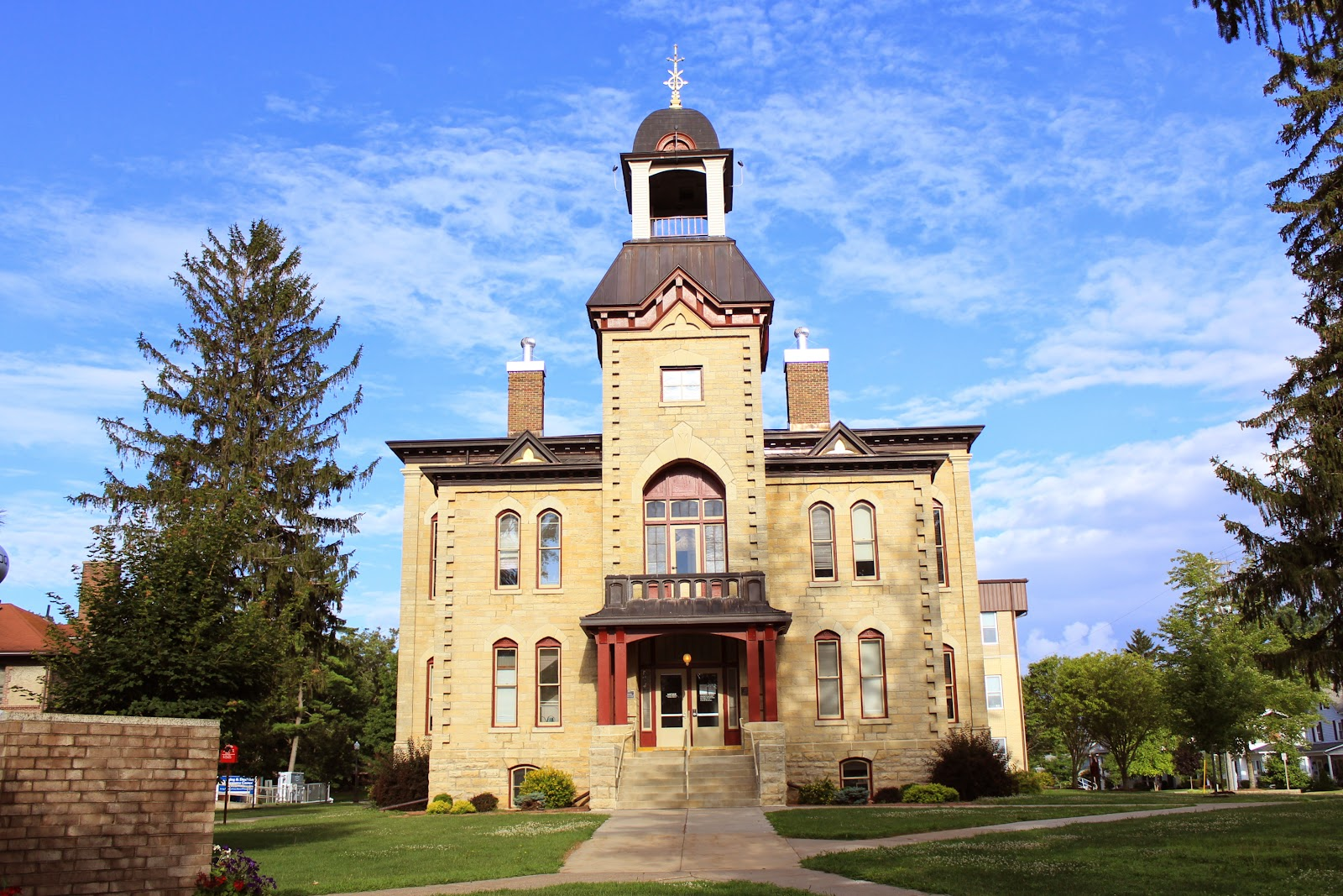 Wisconsin Historical Markers: Vernon County Courthouse