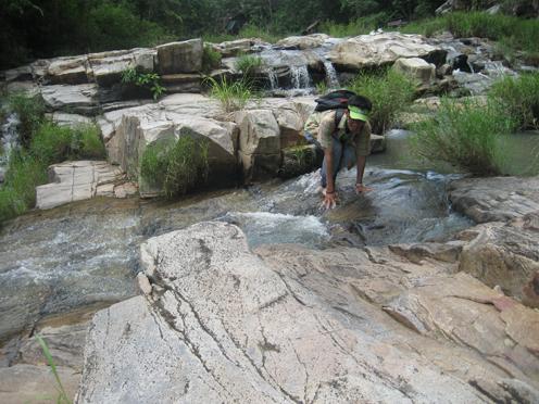 Khám phá suối đá ở ngoại ô Ayunpa